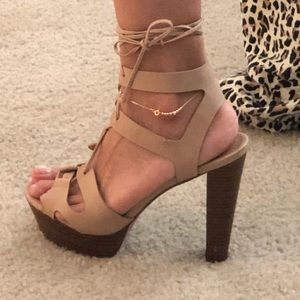 Shoes - High wheels sandals